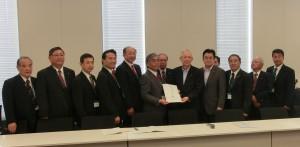 桜島火山活動対策議会協議会より要望を受ける